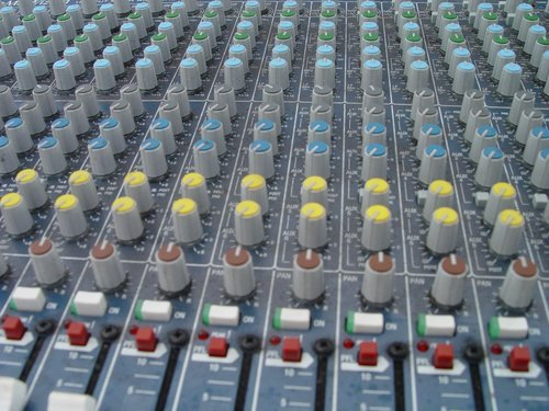 A Guide to Audio and Sound Engineering School